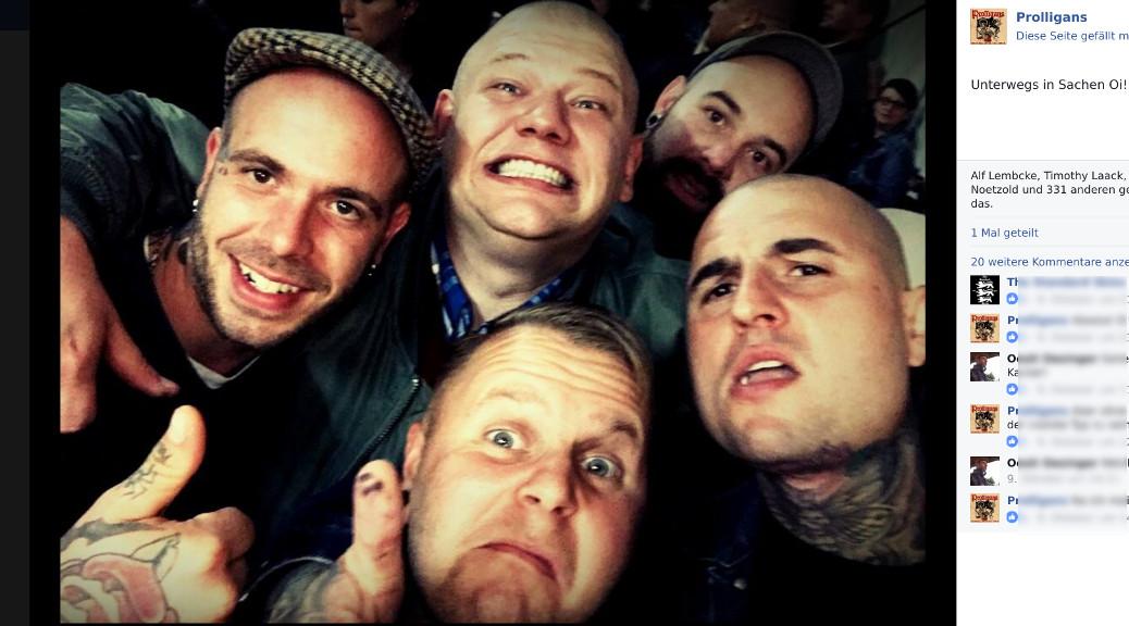 Nach dem Neonazikonzert in Seibranz veröffentlichten »Prolligans« ein Photo auf dem sie gemeinsam mit einem Mitglied der Hamburger Neonaziband Abtrimo und ihrem Unterallgäuer Plattenproduzenten posieren. (Screenshot, Facebook)