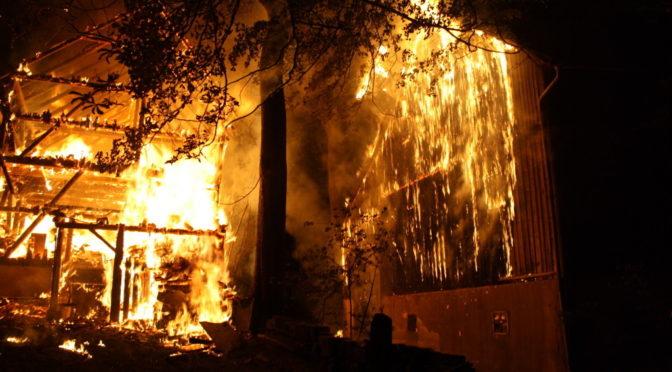 Polizei geht von fremdenfeindlichen Brandanschlägen aus