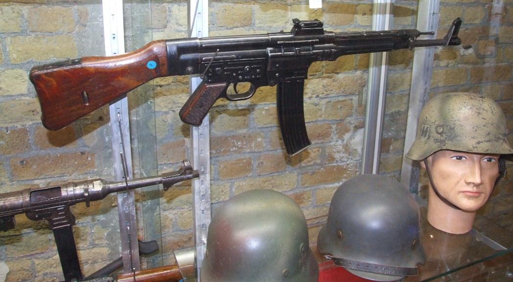 Symbolbild Sturmgewehr 44 CC by-sa 4.0 Claus Ableiter