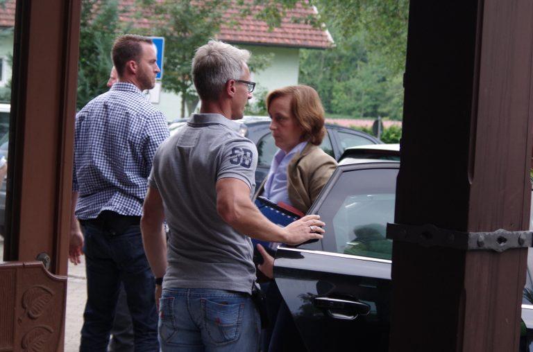 Weitnau ist nicht der erste Auftritt von Beatrix von Storch im Allgäu. Bereits am 7. Juli 2017 folgte sie der Einladung ihres heutigen Bundestagskollegen Peter Felser nach Lauben.