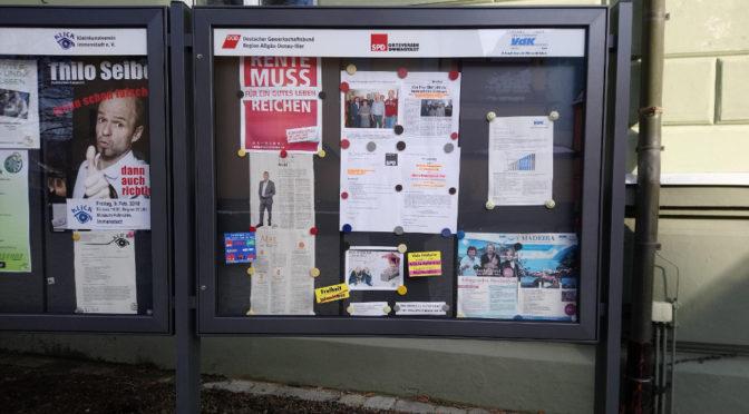 Schaukasten der SPD beklebt