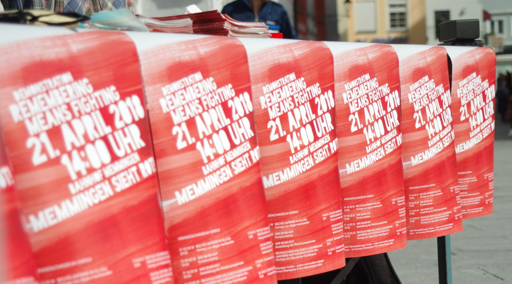 »Memmingen sieht rot! Remembering means fighting«: Infostand am 14. April 2018 in Memmingen