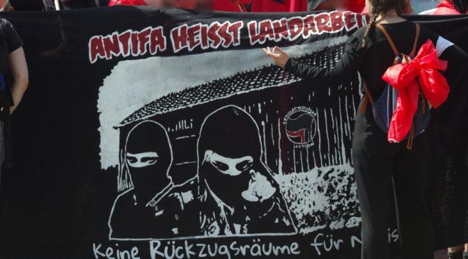 Seit jeher betrachtet sich die Antifa als Korrektiv, wo staatliche und zivilgesellschaftliche Akteuere in ihren Augen versagen.