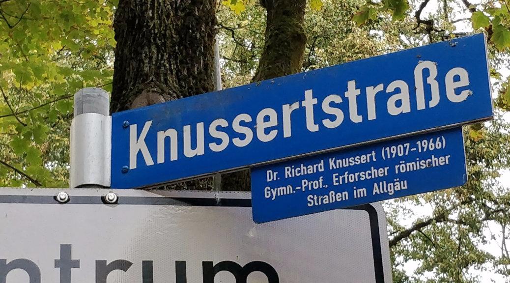Soll die Knusserstraße umbenannt werden? Ehemailge Schüler des Kemptener Heimatforschers fordern das. Doch die Stadt stellt sich hinter den früheren Gaukulturwart Schwabens.
