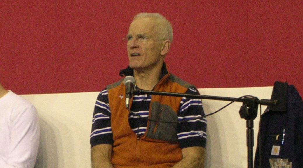 Lama Ole Nydahl auf einem Vortrag (Bild: Piotr Czerniawski, CC by-sa 2.5)