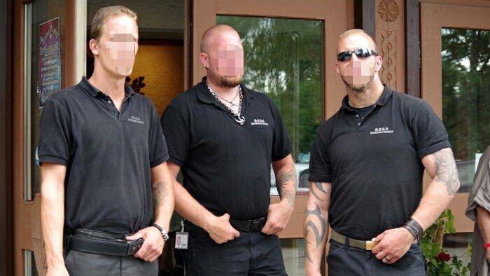 Mitarbeiter des D.S.S.D. Sicherheitsdienst als Türsteher bei einer AfD-Veranstaltung mit Beatrix von Storch am 7. Juli 2017 in Lauben.