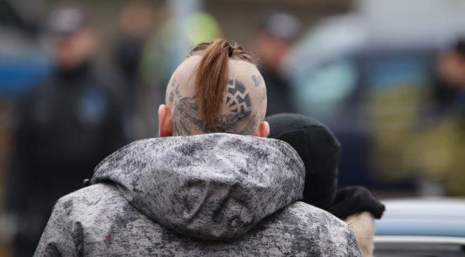 Hunderte auf Neonazi-Festival