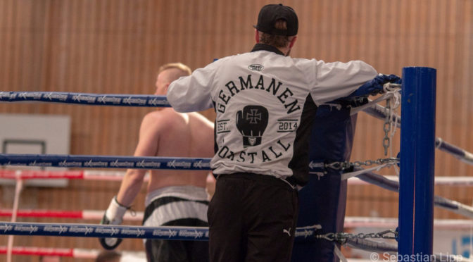 Nazi-Shirt bei Boxevent
