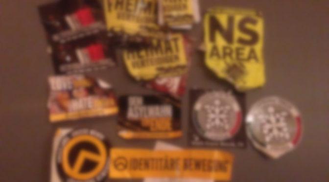 Erneut rechtsradikale Aufkleber der Identitären Bewegung und solche mit ausdrücklichem Bezug auf einen »Nationalen Sozialismus« in Kaufbeuren verklebt.