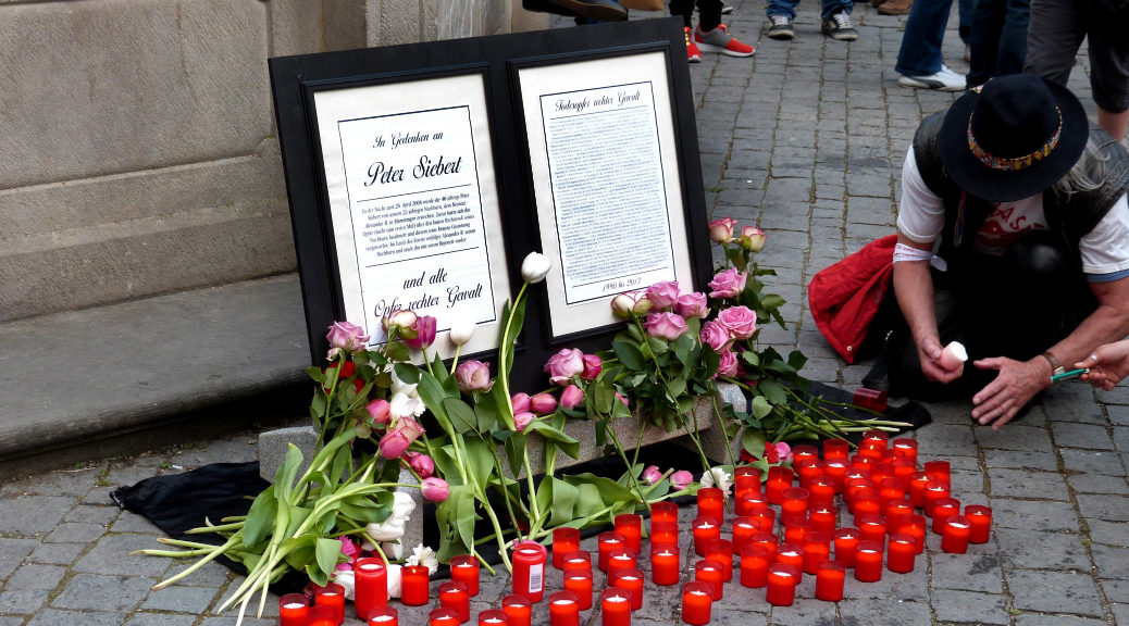 An Peter Siebert's sechstem Todestag zogen 2014 rund 400 Menschen durch die Memminger Innenstadt, um ihm und allen weiteren Opfern rechter Gewalt zu gedenken.