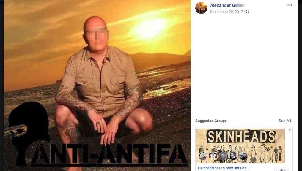 Alexander G. posiert auf seinem Facebook-Profil. Aus der Ostthüringer Variante der Anti-Antifa, an der auch Beate Zschäpe bereits beteiligt war, ging später der Thüringer Heimatschutz (THS) hervor. Dort waren zentrale Akteuere des NSU-Unterstützerumfelds sowie das Kerntrio selbst organisiert.