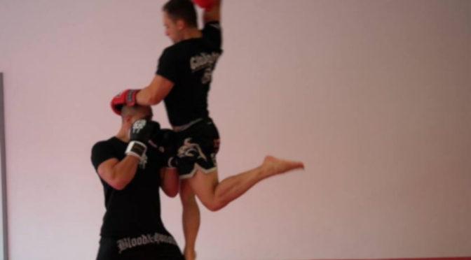 In Blood&Honour Shorts beim Training beim Herzblut Sportclub.