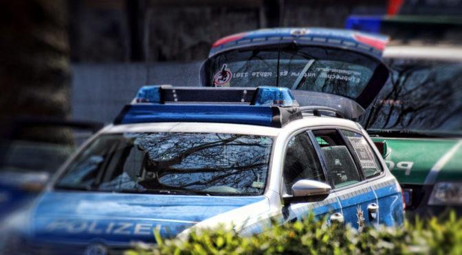 Nach der Drohung eines Reichsbürgers bereitet sich die Polizei im Maierhöfen auf eine bewaffnete Konfrontation vor, kann den Mann aber zur Aufgabe bewegen.