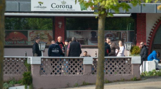 Am 10. Mai 2019 wollte sich die NPD bei Krumbach an einem geheimen Ort mit ihrer Parteispitze treffen. Trotz weit entfernt liegender Schleusungspunkte ist die Veranstaltung in der Pizzeria Corona in Billenhausen aufgeflogen.