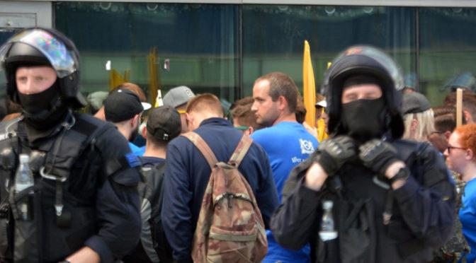 Auch Schwaben wollten mit der Identitären Bewegung in Halle marschieren, doch sie wurden an fast allen stellen erfolgreich blockiert. ©Sören Kohlhuber