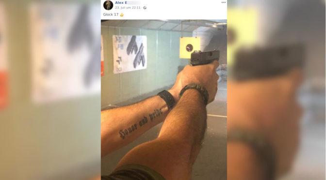 Anhänger von Uniter Österreich postet ein Bild mit einer Glock 17 am Schießstand. In den Arm des Schützen mit den englischen Worten für »Ehre und Stolz« ein bei Neonazis beliebtes Motiv eintätowiert.