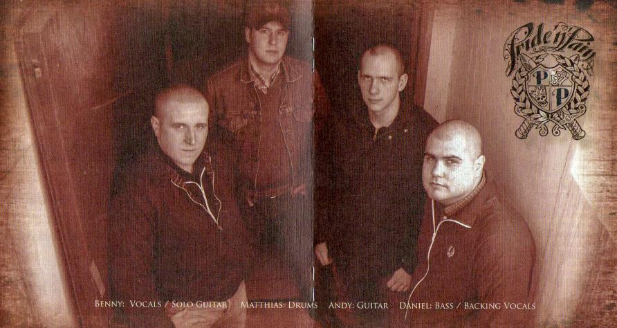 Selbstdarstellung von Pride'n'Pain im Booklet ihrer 2008 veröffentlichten Platte Loud and Proud.