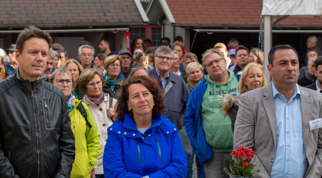 Vor etwa 300 Gästen sprachen Landrat Sievers, Petra Krebs und Hakan Abis am 19. Oktober 2019 zur Gründung des Bündnis Landkreis Ravensburg Nazifrei.