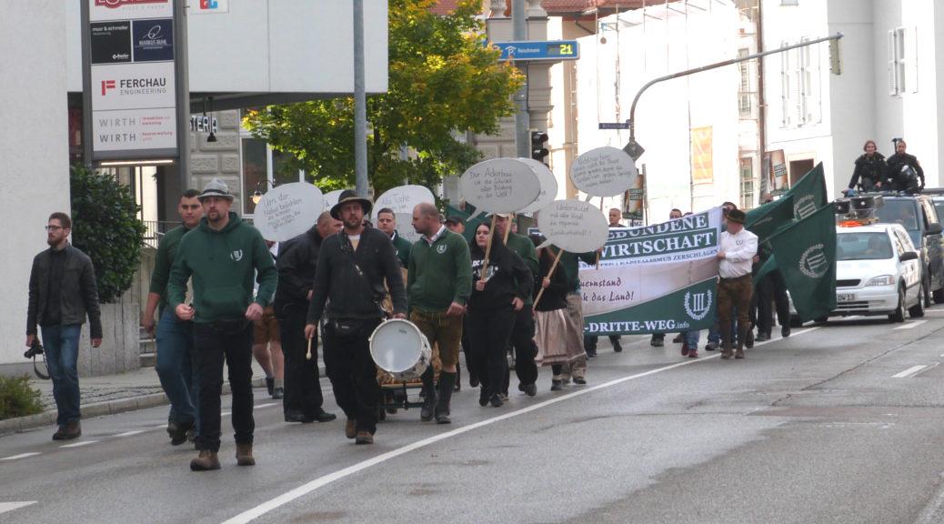 Als erstmaligen Erfolg im Allgäu kannDer Dritte Weg einen Aufmarsch am 19. Oktober 2019 verbuchen. Weitgehend ungestört marschierten rund 35 Neonazis durch Kempten.