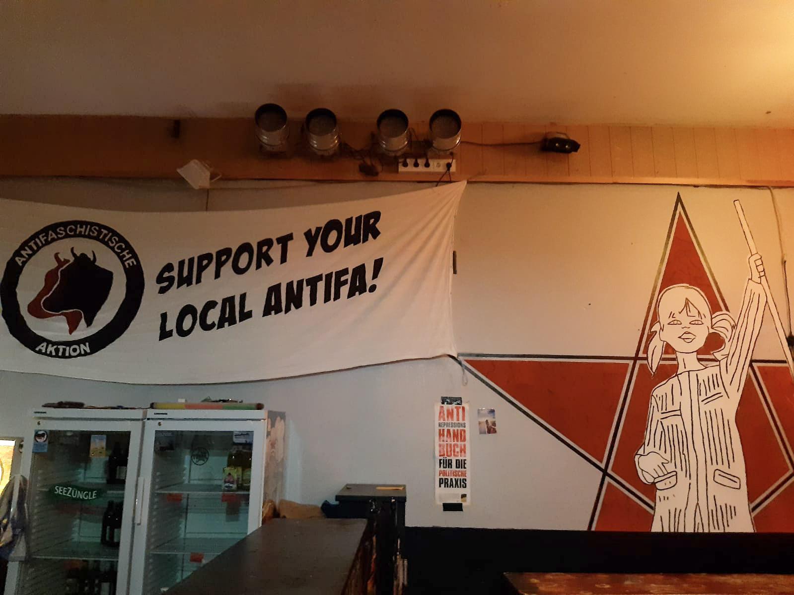 »Support your local antifa!« Dieses banner im Jugendzentrum Tonne erhitzte auf einer Sitzung des Verwaltungsausschusses Wangen die Gemüter.
