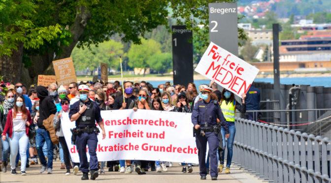 Verschwörungsglauben und »Free Hugs« auf Corona-Demo