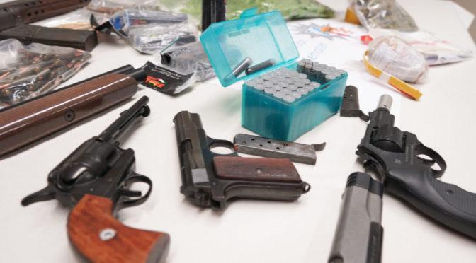 Schlag gegen Waffen- und Rauschgiftszene oder bewaffnete Neonazis?