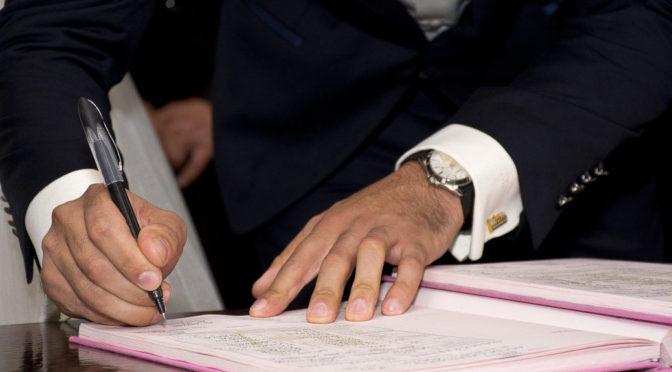 Neonazi will in acht Gemeinden Bürgermeister werden