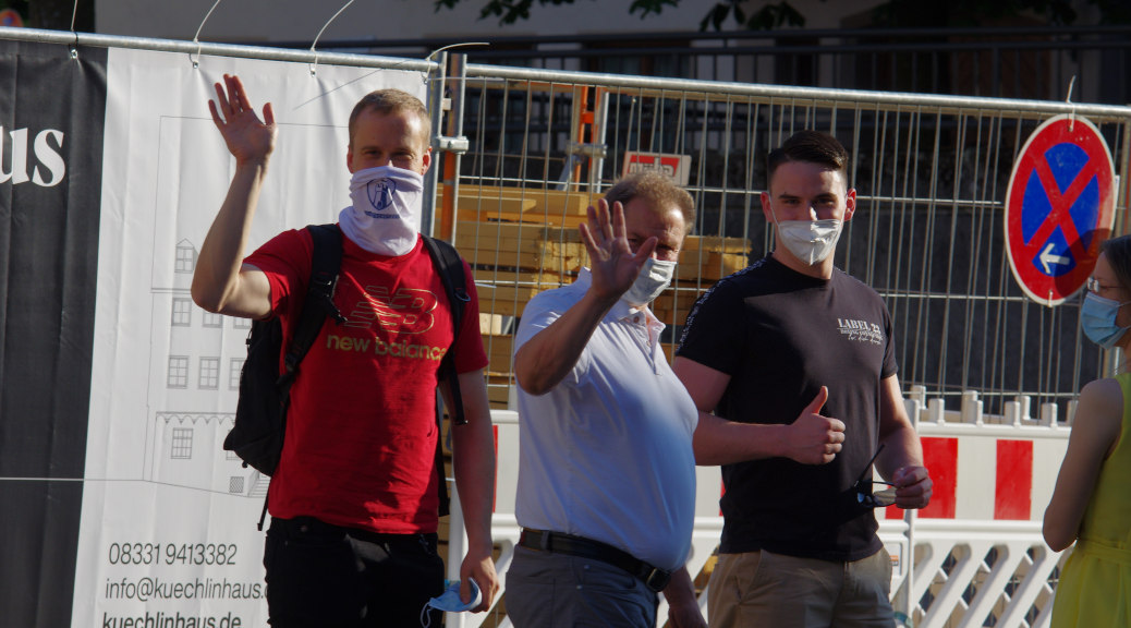 Auch Querdenken, Identitäre und Neonazis waren unter den Teilnehmern der AfD-Versammlung vertreten.